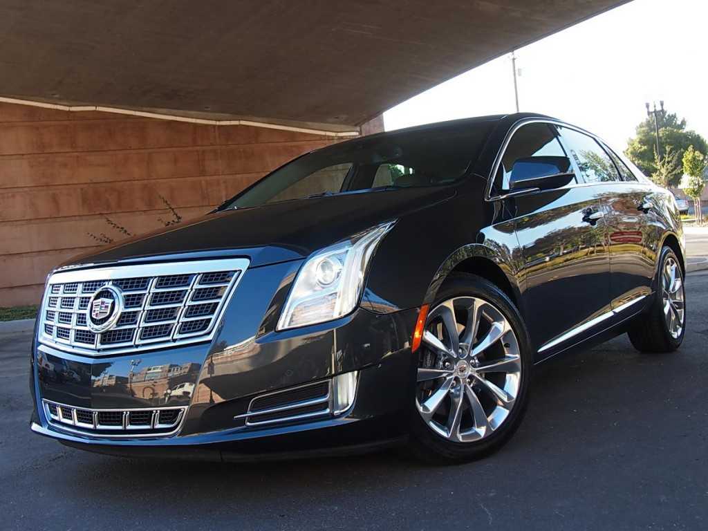 boulder-limo-cadillac-xts-sedan-executive-airport-transportation-car-service
