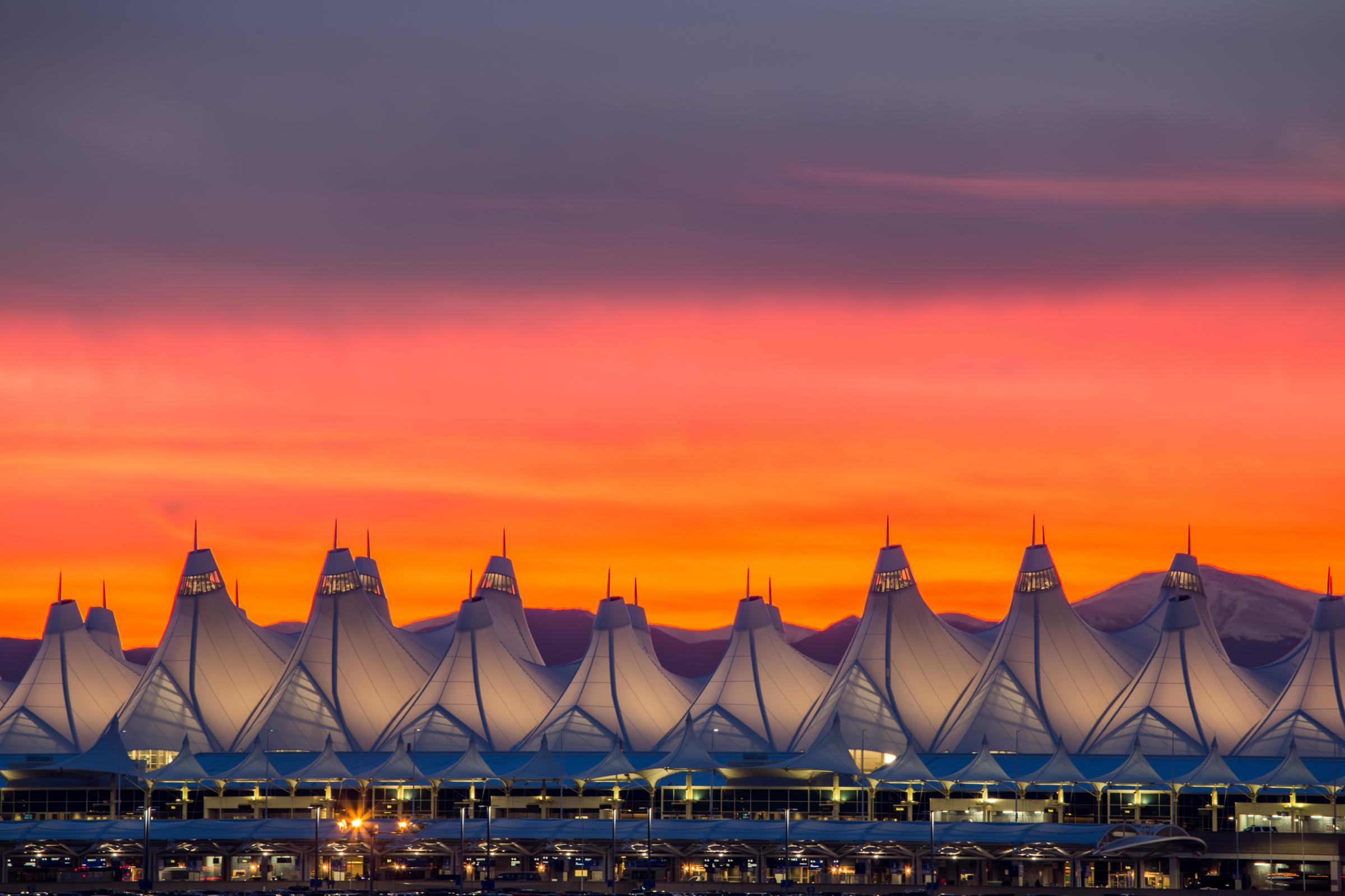 denver-airport-to-boulder-shuttle-transportation-limo-service-dia
