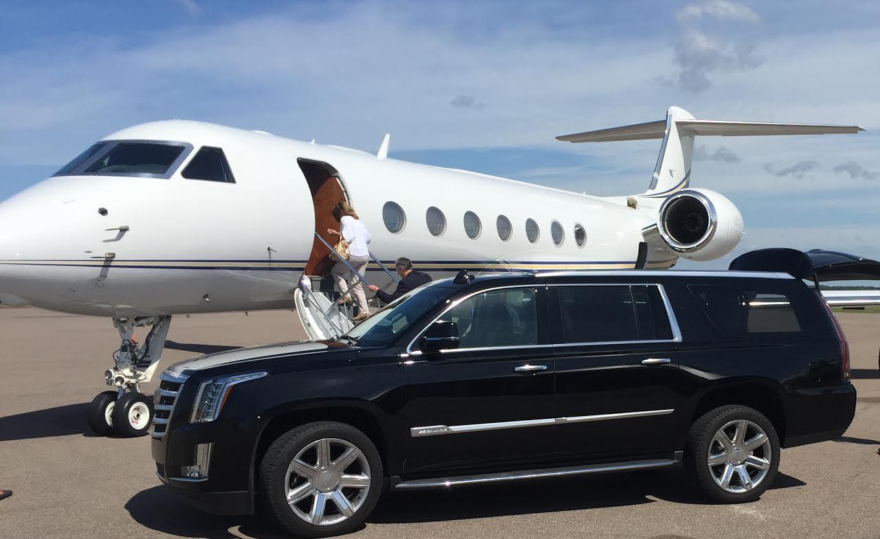 boulder-denver-airport-shuttle-transportation-limo-jet-center-private-luxury-limousine-service